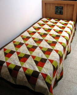 Quilt with 9-patch pattern