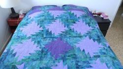 Queen-size bed quilt
