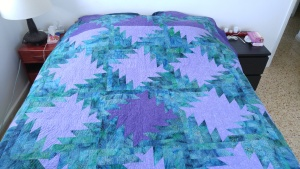 Queen-size bed quilt