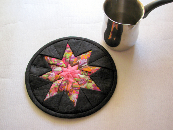 Pink star trivet